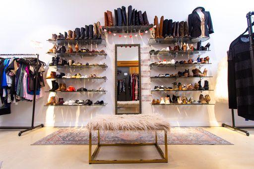 women's fashion boutique franchise rack
